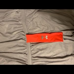 Underarmour head band